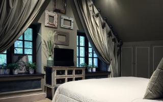 Как украсить стену в спальне напротив кровати