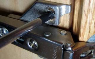 Как правильно навесить дверцы шкафа