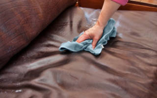 Как очистить кожаный диван от шариковой ручки